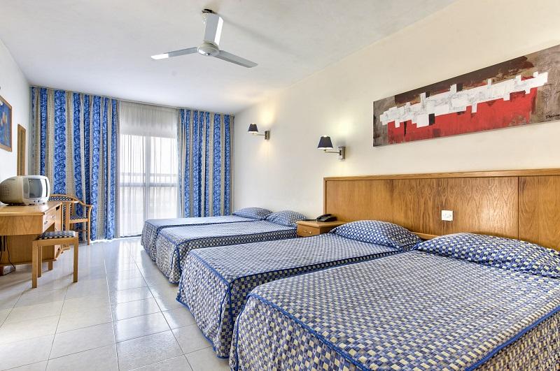bellavista-hotel-st-pauls-bay_quad-bedroom
