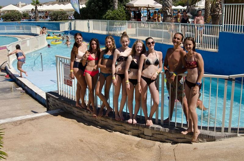 junior-students_splash-and-fun-water-park