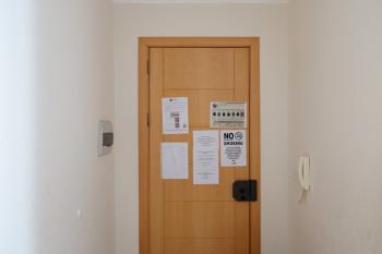 お部屋の扉内側には滞在に関する注意点がわかりやすく掲示されていました。