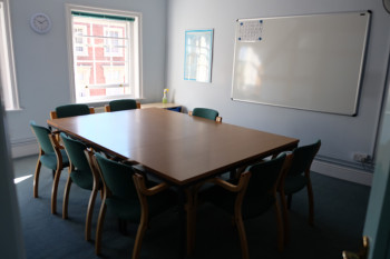 小さ目の教室。