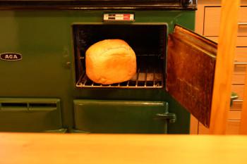 Bobさんお手製のパン!すっごくいい香り〜☆
